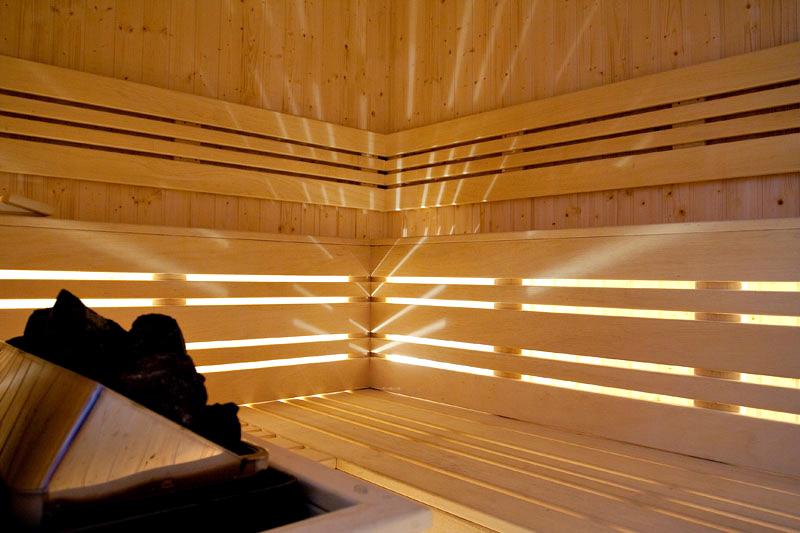 Уикенд в Цигов Чарк. 2 нощувки на човек със закуски + басейн и релакс център в хотел Кос Хол Палас, снимка 7