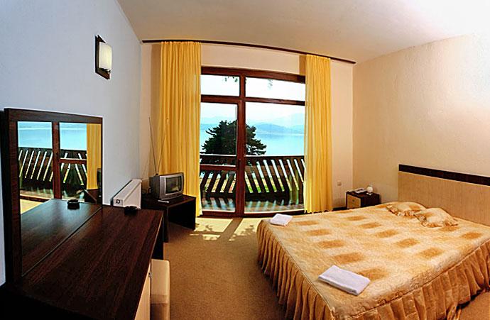 Уикенд в Цигов Чарк. 2 нощувки на човек със закуски + басейн и релакс център в хотел Кос Хол Палас, снимка 9