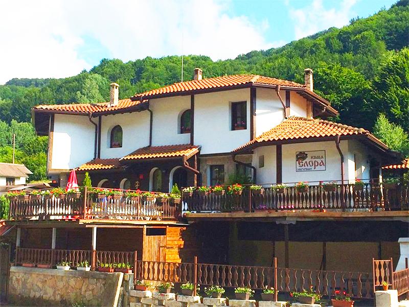 Къща за гости Елора, с. Чифлик