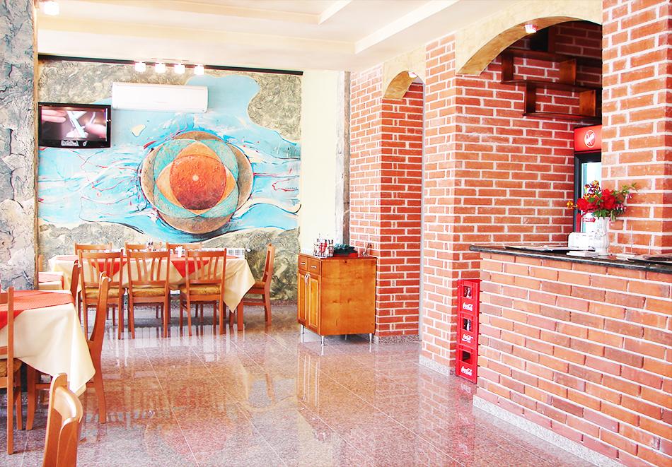 Хотел Калифорния, Павел Баня, снимка 10