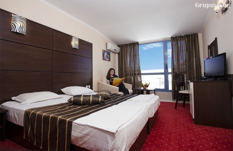 Нощувка на човек на база All Inclusive + басейн в хотел Роял****, Златни Пясъци! Дете до 12г. - БЕЗПЛАТНО!, снимка 6