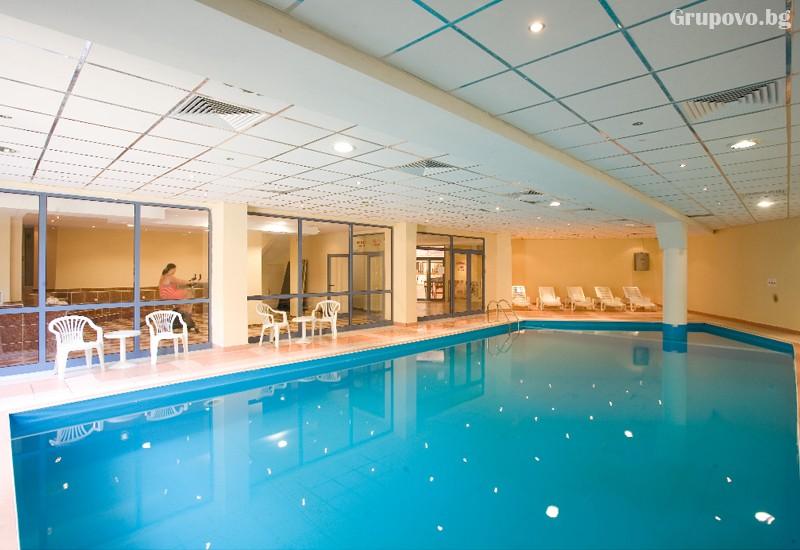 Нощувка на човек на база All Inclusive + басейн в хотел Роял****, Златни Пясъци! Дете до 12г. - БЕЗПЛАТНО!, снимка 3