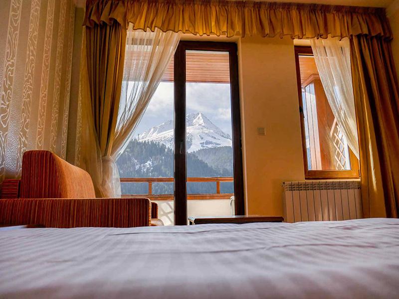 Нощувка на човек със закуска + басейн и сауна в Парк хотел Панорама, Банско, снимка 12