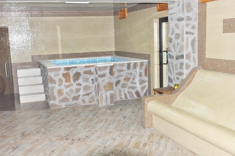 През Май в Огняново. 1 или 5 нощувки на човек със закуски, обеди* и вечери + минерален басейн в комплекс Черния Кос, снимка 7