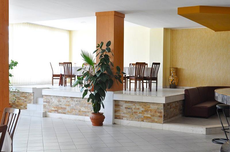 През Май в Огняново. 1 или 5 нощувки на човек със закуски, обеди* и вечери + минерален басейн в комплекс Черния Кос, снимка 12