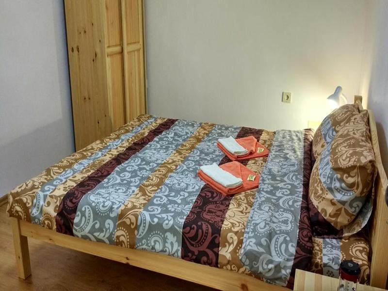 Нощувка в напълно оборудвана къща за 2, 4, 8 или 14 човека от стаи за гости Под върха, Априлци, снимка 9