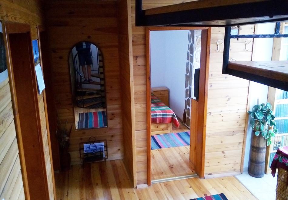 2+ нощувки в самостоятелна къща с капацитет 12 човека + барбекю, къща за гости Дени, Добринище, снимка 8