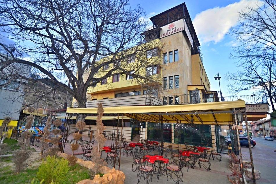 Нощувка на човек със закуска и вечеря + басейн и релакс зона с минерална вода от хотел България, Велинград, снимка 2