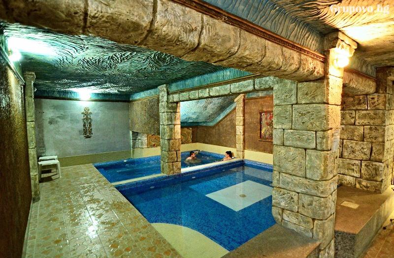 Нощувка на човек със закуска и вечеря + басейн и релакс зона с минерална вода от хотел България, Велинград, снимка 3