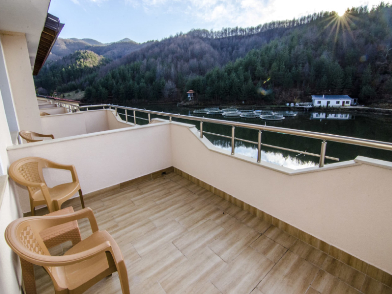 Уикенд в Родопите! 2 нощувки на човек със закуски + басейн и релакс зона от хотел Кремен, Кърджали., снимка 10
