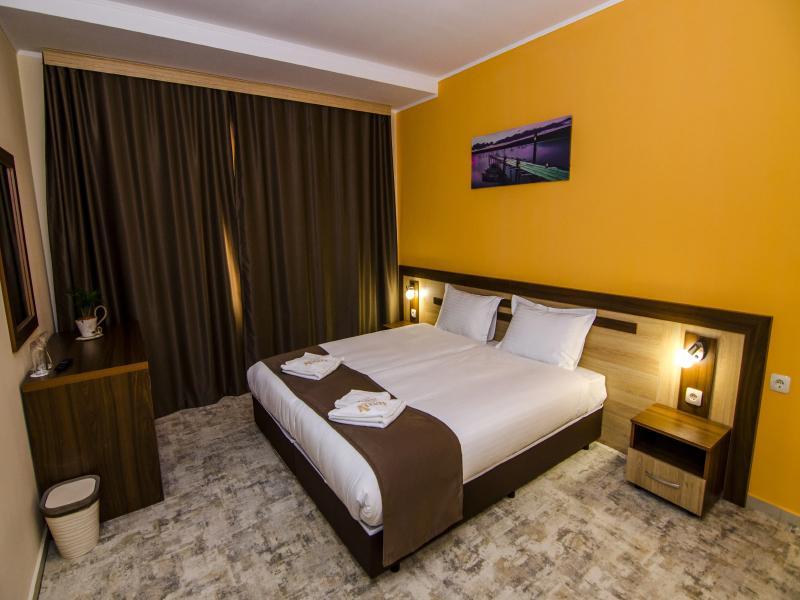 Уикенд в Родопите! 2 нощувки на човек със закуски + басейн и релакс зона от хотел Кремен, Кърджали., снимка 19