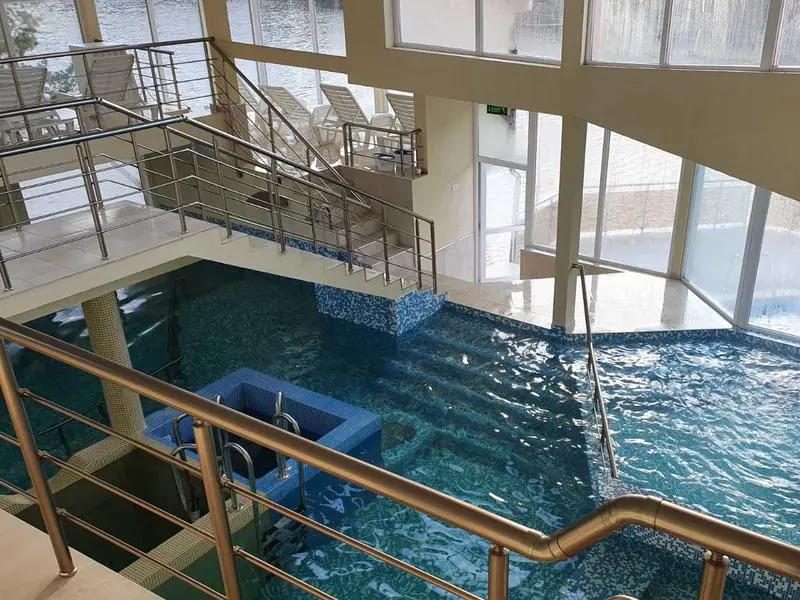 Уикенд в Родопите! 2 нощувки на човек със закуски + басейн и релакс зона от хотел Кремен, Кърджали., снимка 9