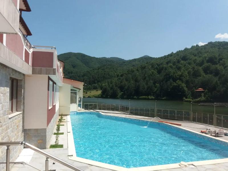 Уикенд в Родопите! 2 нощувки на човек със закуски + басейн, релакс зона и риболов от хотел Кремен, Кърджали. 2 деца до 12г. - безплатно, снимка 4
