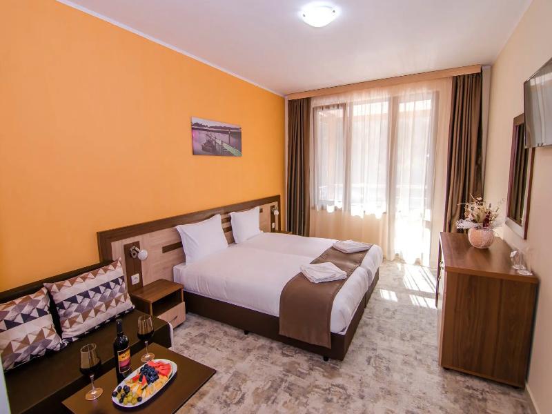 Уикенд в Родопите! 2 нощувки на човек със закуски + басейн и релакс зона от хотел Кремен, Кърджали., снимка 17