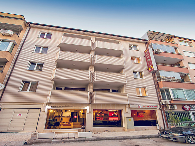 Почивка във Варна! Нощувка на човек в двойна стая, студио или апартамент в хотел Гран Иван***, снимка 2