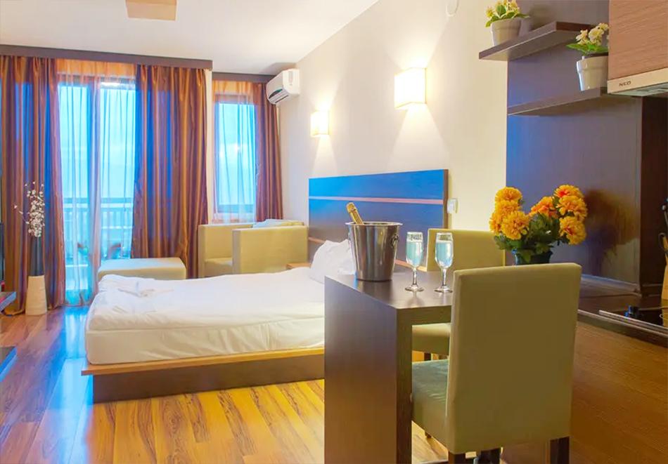 Нощувка, закуска и вечеря на човек + басейн и релакс зона в хотел Сейнт Джордж Ски & Холидей****, Банско, снимка 13