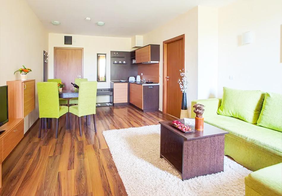 Нощувка, закуска и вечеря на човек + басейн и релакс зона в хотел Сейнт Джордж Ски & Холидей****, Банско, снимка 14