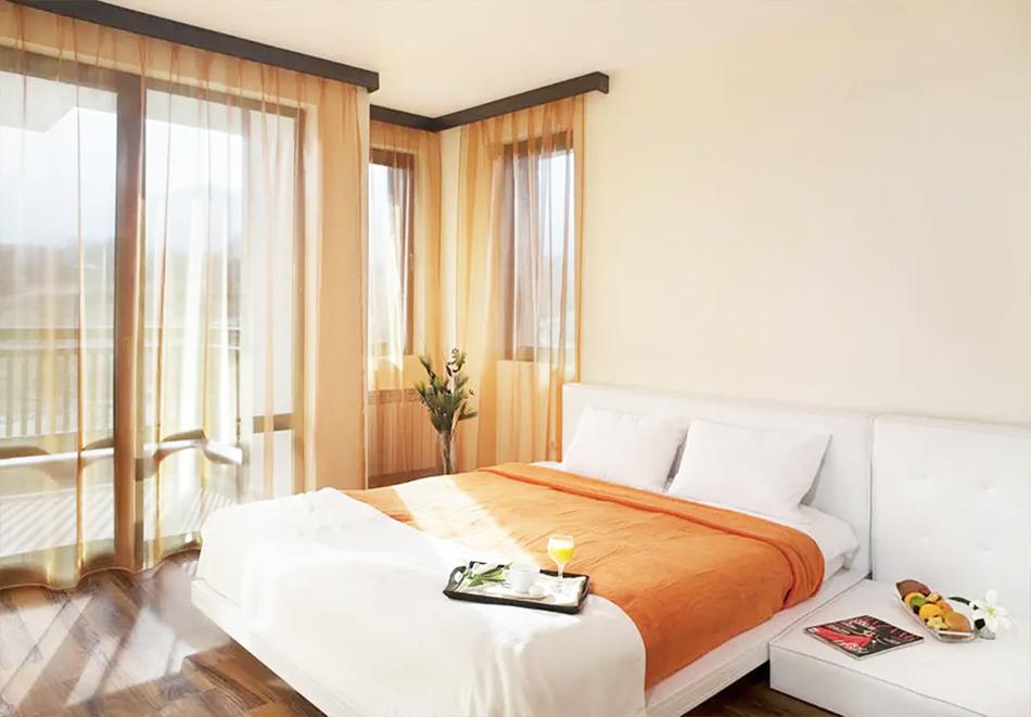 Гергьовден в хотел Сейнт Джордж Ски & Холидей****, Банско. 3 нощувки на човек на база All Inclusive light, празничен обяд + топъл басейн и релакс зона, снимка 13