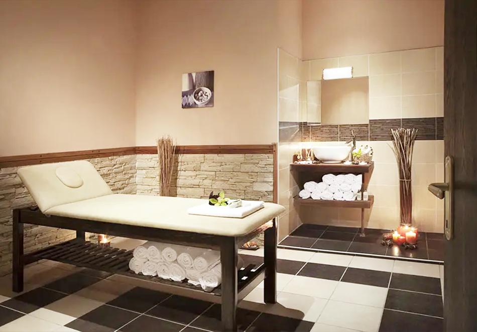 Нощувка, закуска и вечеря на човек + басейн и релакс зона в хотел Сейнт Джордж Ски & Холидей****, Банско, снимка 11
