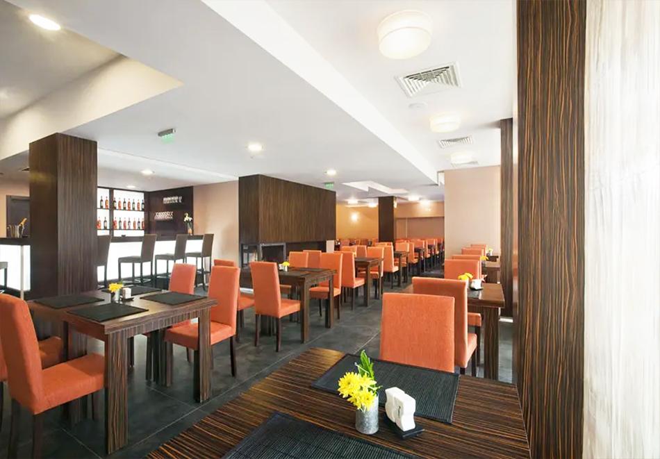 Нощувка, закуска и вечеря на човек + басейн и релакс зона в хотел Сейнт Джордж Ски & Холидей****, Банско, снимка 21