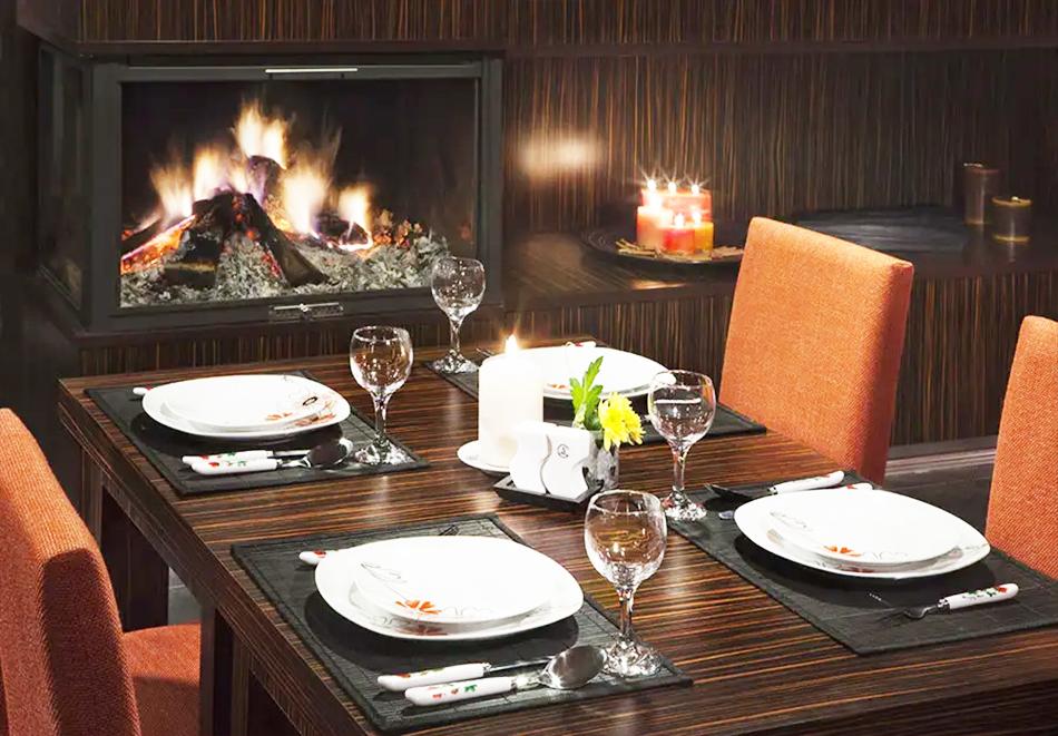 Нощувка, закуска и вечеря на човек + басейн и релакс зона в хотел Сейнт Джордж Ски & Холидей****, Банско, снимка 22