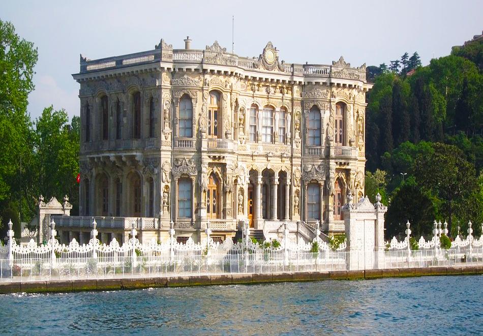 Уикенд екскурзия до Истанбул, Турция ! Транспорт + 2 нощувки на човек със закуски в хотел по избор - 2, 3 или 4* от Караджъ Турс. Тръгване всеки четвъртък от Варна и Бургас., снимка 6