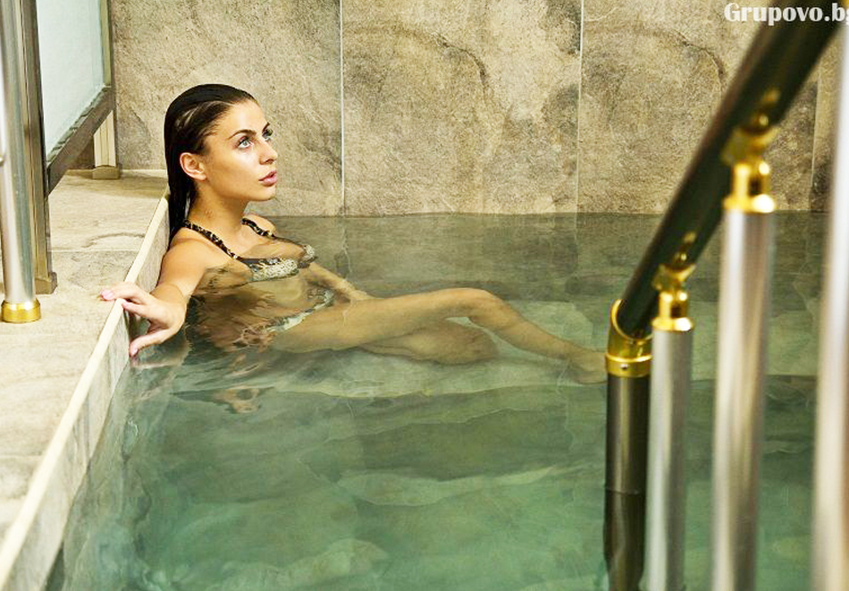 Нощувка на човек със закуска и вечеря + топъл минерален басейн в Хотел Царска баня, гр. Баня край Карлово, снимка 7