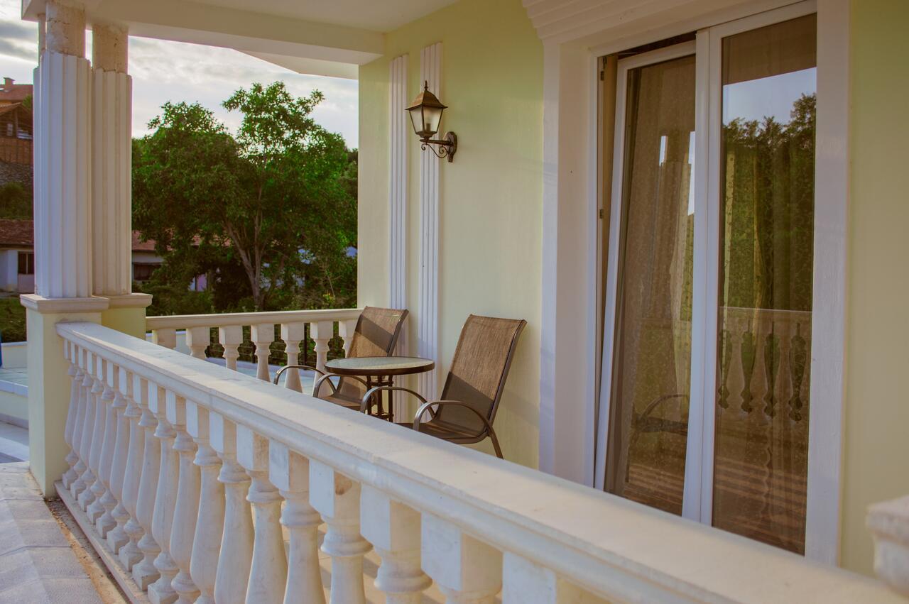 2+ нощувки на човек със закуски и вечери + минерален басейн и релакс зона от хотел Алексион Палас, снимка 10