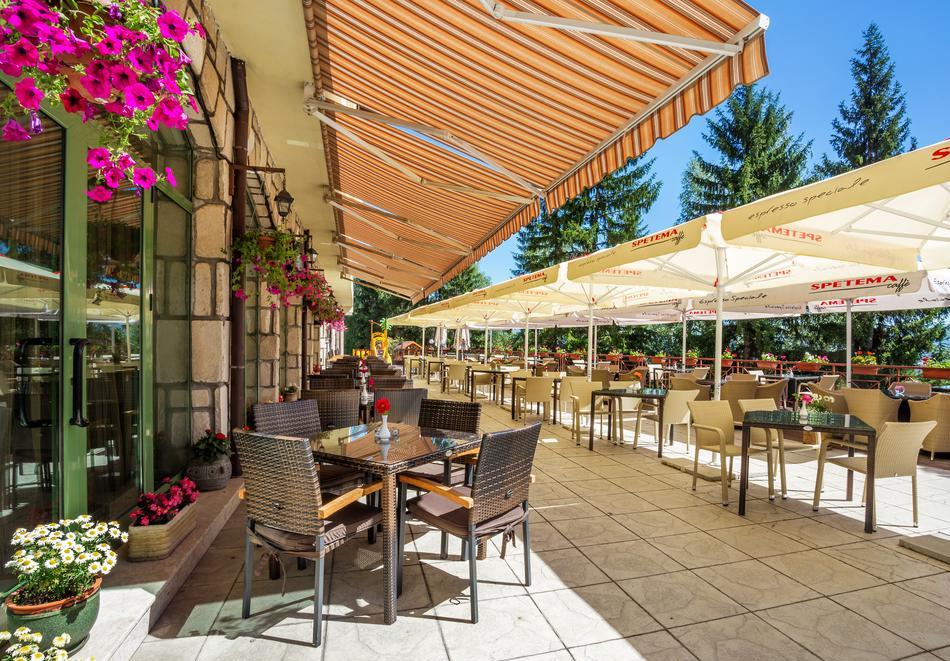 Уикенд във Велинград! 2 нощувки със закуски и вечери* на човек + минерален басейн и СПА в Парк хотел Олимп****, снимка 17