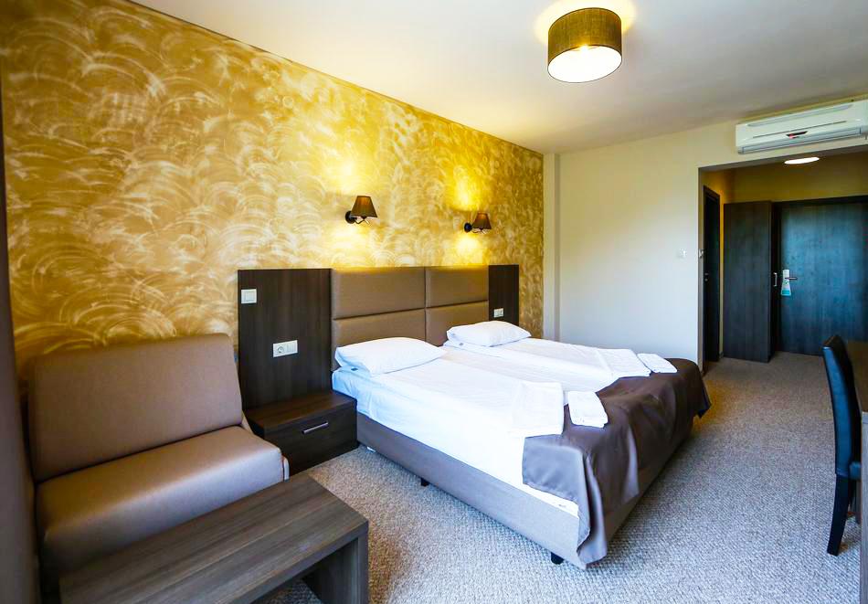 2 или 3 нощувки на човек със закуски и вечери + НОВ минерален акватоничен басейн и джакузи в хотел Огняново***, снимка 8
