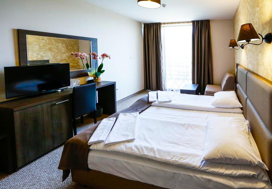 2 или 3 нощувки на човек със закуски и вечери + НОВ минерален акватоничен басейн и джакузи в хотел Огняново***, снимка 9