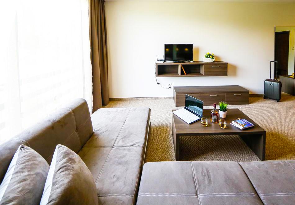 2 или 3 нощувки на човек със закуски и вечери + НОВ минерален акватоничен басейн и джакузи в хотел Огняново***, снимка 10