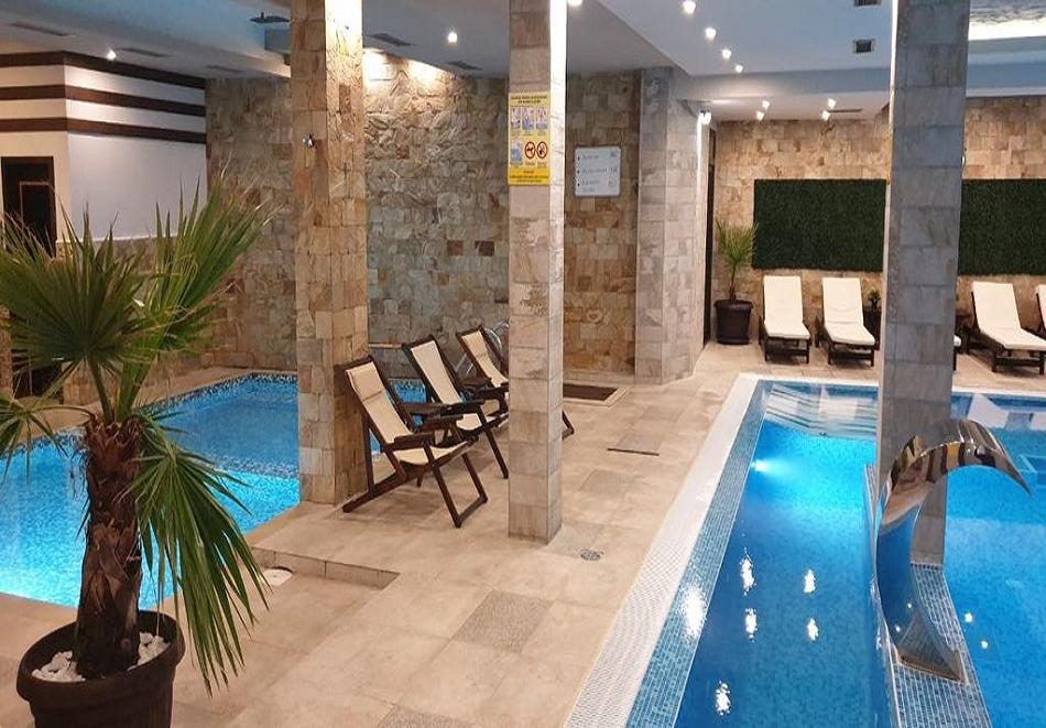 Нощувка на човек със закуска, обяд* и вечеря + НОВ минерален акватоничен басейн и джакузи в хотел Огняново***, снимка 7