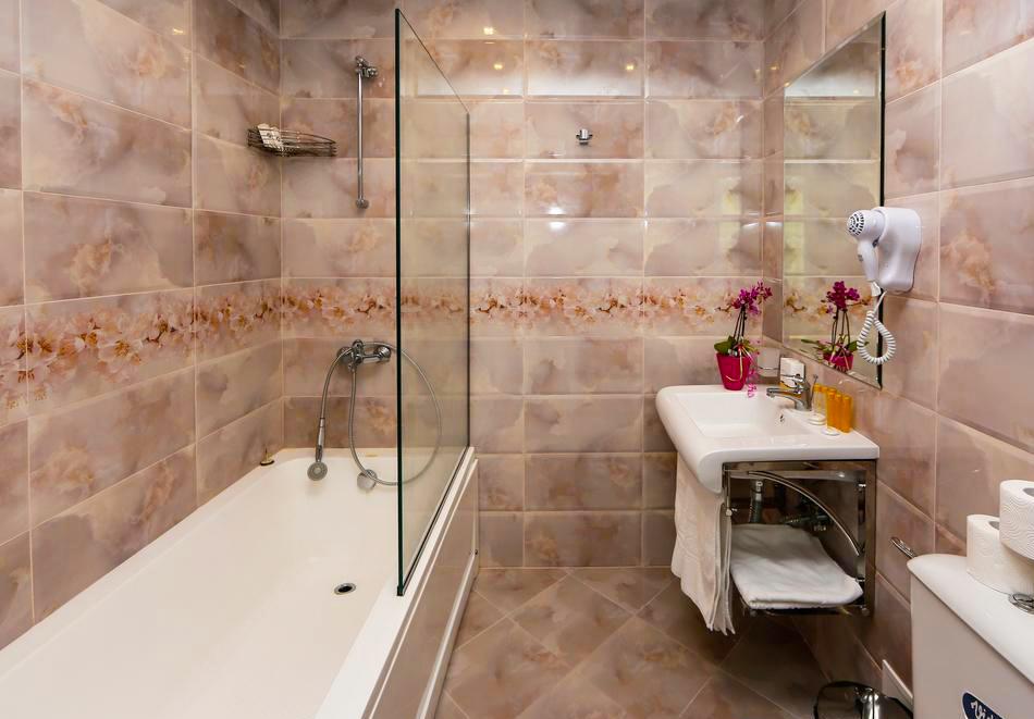 2 или 3 нощувки на човек със закуски и вечери + НОВ минерален акватоничен басейн и джакузи в хотел Огняново***, снимка 12