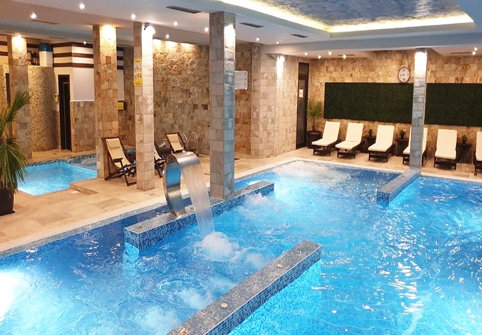 Нощувка на човек със закуска, обяд* и вечеря + НОВ минерален акватоничен басейн и джакузи в хотел Огняново***, снимка 4