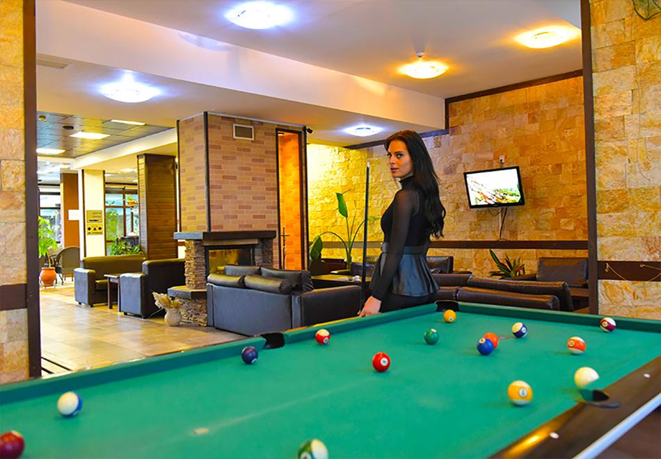 Нощувка на човек със закуска или закуска и вечеря по избор + басейн и релакс център в хотел Роял Банско Апартмънтс, Банско, снимка 18