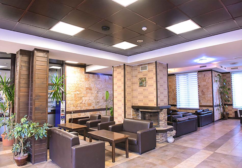 Нощувка на човек със закуска или закуска и вечеря по избор + басейн и релакс център в хотел Роял Банско Апартмънтс, Банско, снимка 4