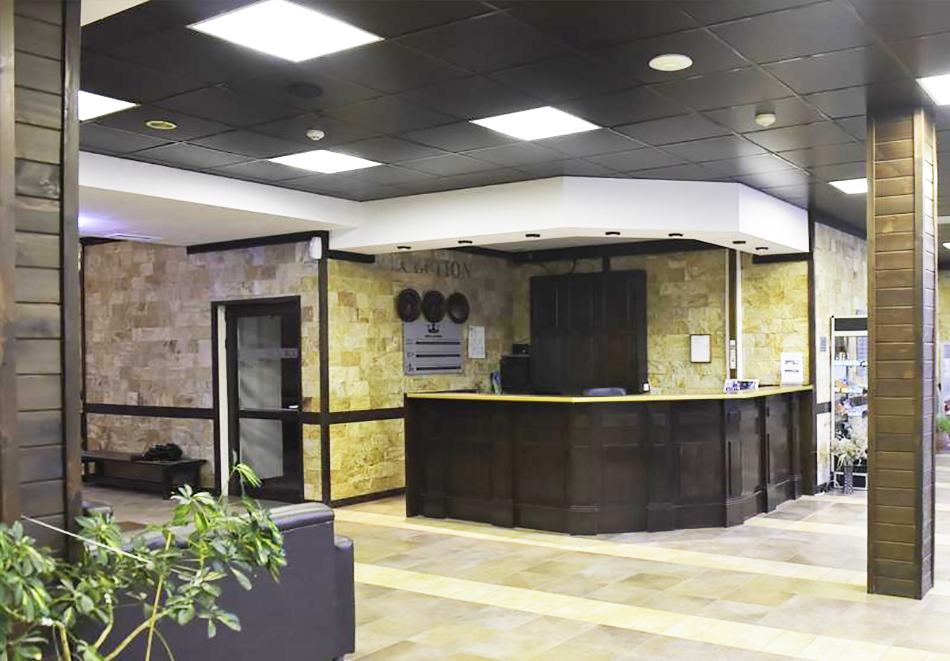 Нощувка на човек със закуска или закуска и вечеря по избор + басейн и релакс център в хотел Роял Банско Апартмънтс, Банско, снимка 3