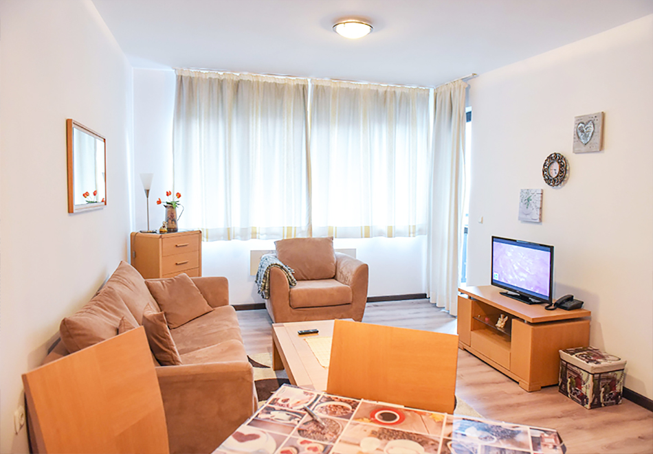 Нощувка на човек със закуска или закуска и вечеря по избор + басейн и релакс център в хотел Роял Банско Апартмънтс, Банско, снимка 15