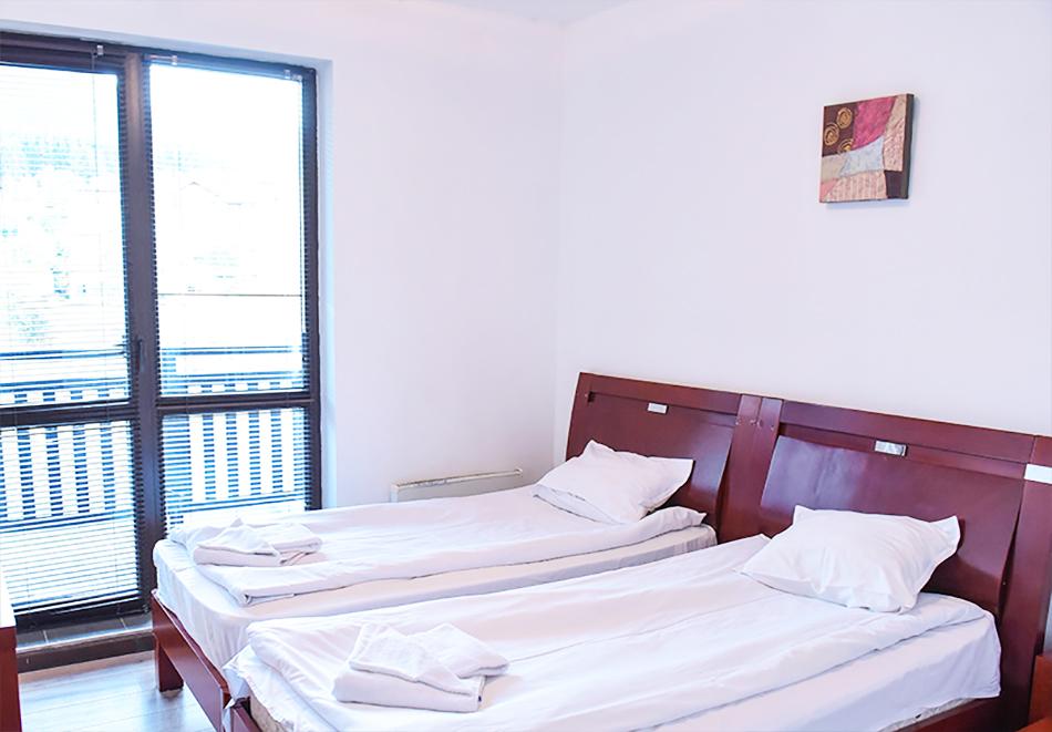 Нощувка на човек със закуска или закуска и вечеря по избор + басейн и релакс център в хотел Роял Банско Апартмънтс, Банско, снимка 12