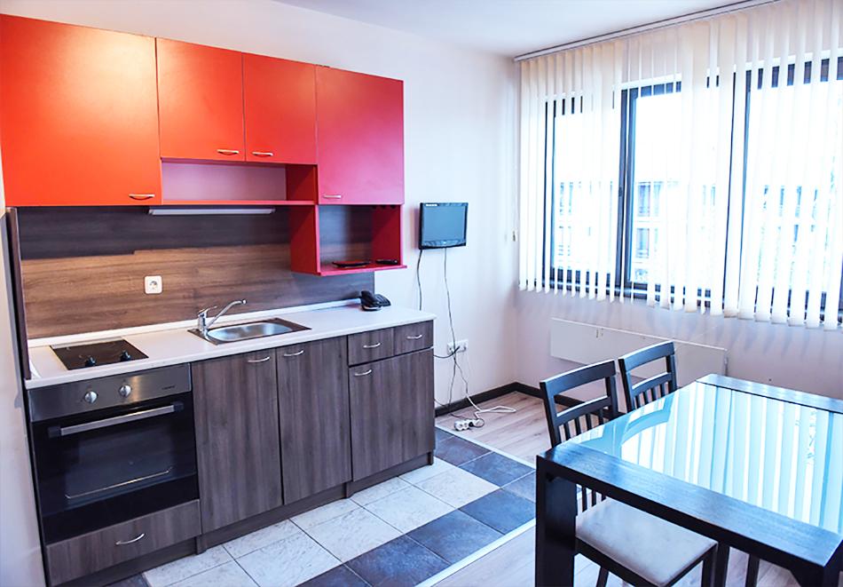 Нощувка на човек със закуска или закуска и вечеря по избор + басейн и релакс център в хотел Роял Банско Апартмънтс, Банско, снимка 10