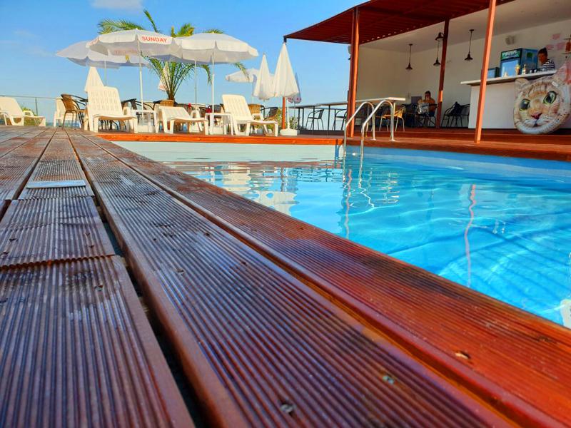 На ПЪРВА линия в Китен! 5 нощувки на човек със закуски, обеди и вечери + басейн в хотел Съндей, снимка 3