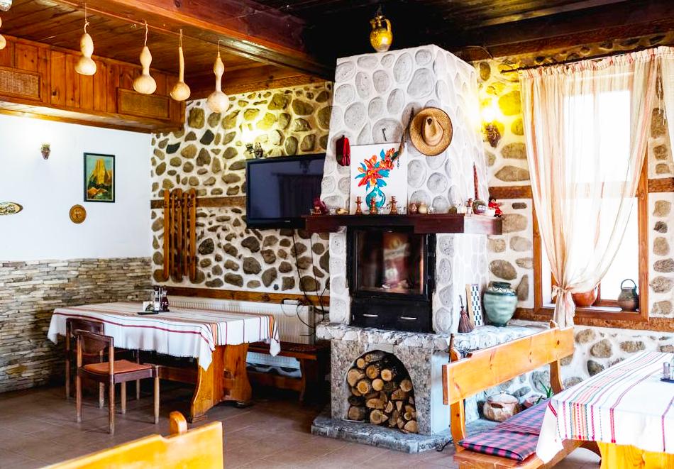 Нощувка на човек със закуска, обяд* и вечеря в Комплекс Стария Чинар, Мелник, снимка 7