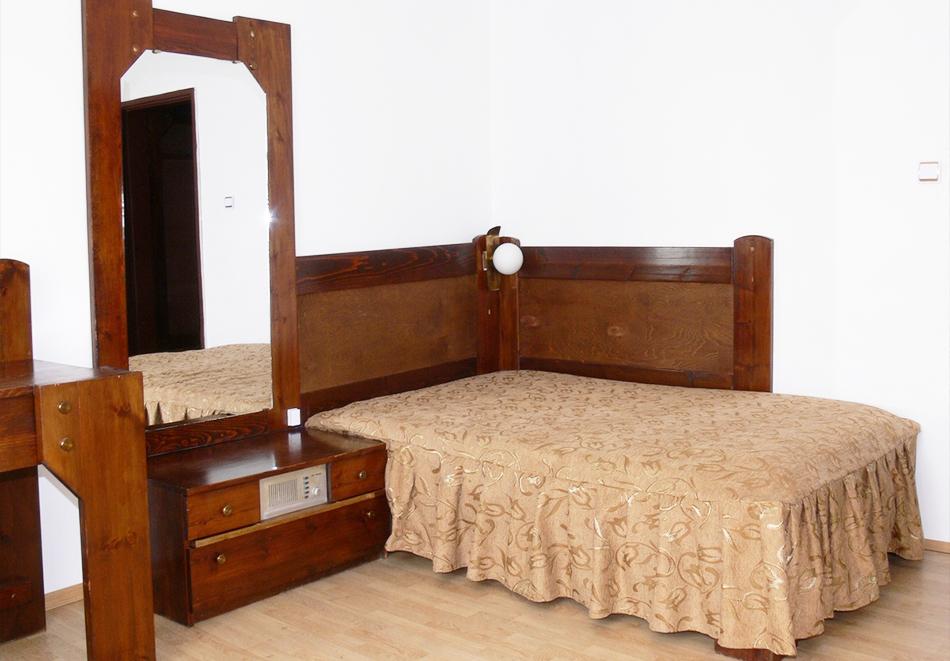 Нощувка на човек със закуска и вечеря само за 29.90 лв. в хотел Виктория, Брацигово, снимка 7