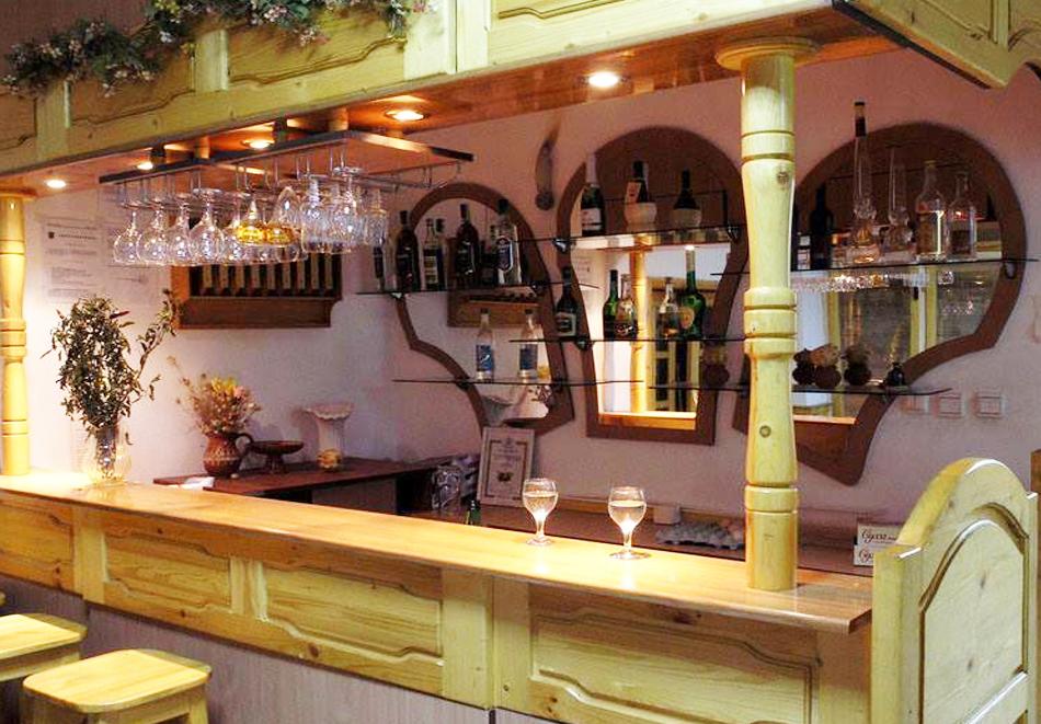 Коледа край Русе! 2 нощувки на човек със закуски и вечери, една празнична, от къща за гости Кладенеца, с. Иваново, снимка 9