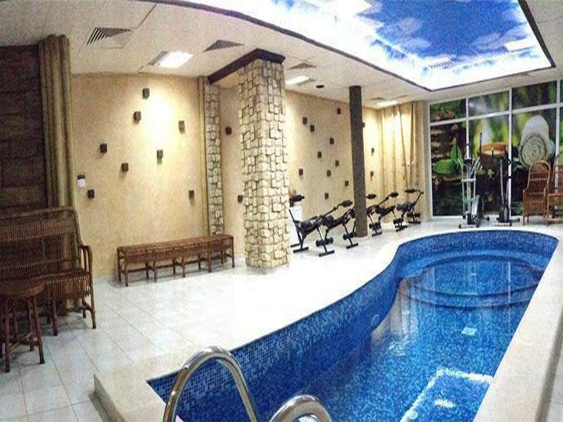 8-ми март в хотел Амбарица, Горна Оряховица! 1 или 2 нощувки на човек със закуски и празнична вечеря + басейн с джакуси и релакс пакет, снимка 2