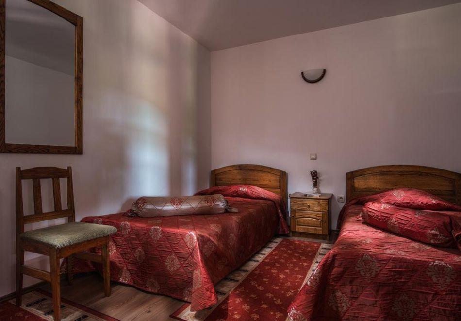 Великден и Гергьовден в Еленския Балкан! 2, 3 или 4 нощувки на човек със закуски и празнична вечеря + сауна и парна баня в семеен хотел Еленски Ритон, снимка 11