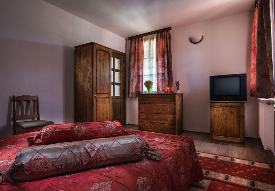 Великден и Гергьовден в Еленския Балкан! 2, 3 или 4 нощувки на човек със закуски и празнична вечеря + сауна и парна баня в семеен хотел Еленски Ритон, снимка 12