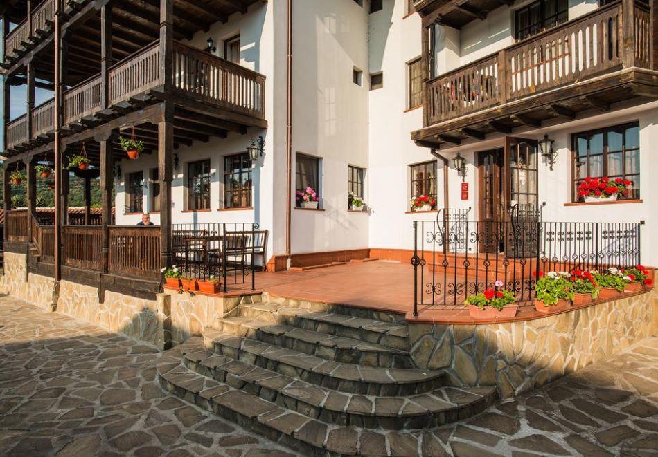 Великден и Гергьовден в Еленския Балкан! 2, 3 или 4 нощувки на човек със закуски и празнична вечеря + сауна и парна баня в семеен хотел Еленски Ритон, снимка 20