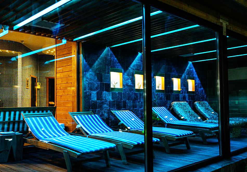 Нова година до Банско! 3, 5 или 7 нощувки на човек + басейн и СПА зона от Балканско Бижу апартхотел****, снимка 12